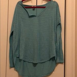 Super soft teal long sleeve tee!